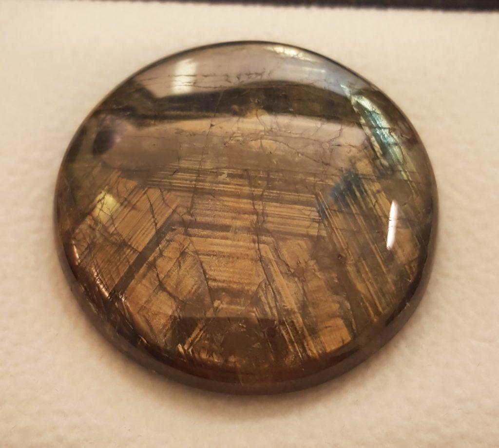 partial hex gold sheen sapphire