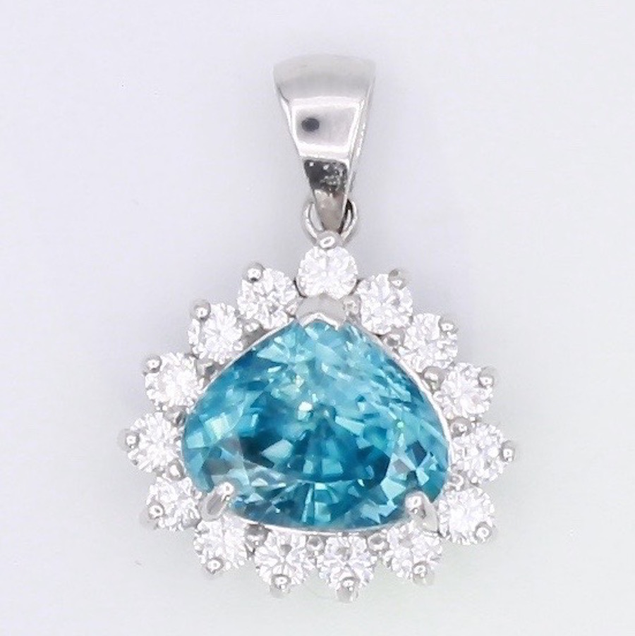 Zircon Pendant natural